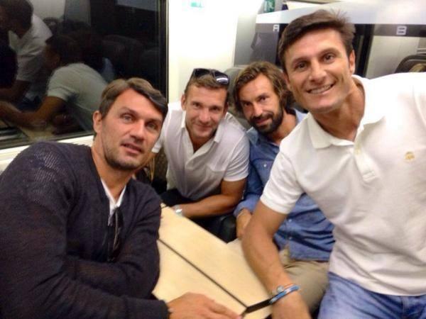 Un selfie de légendes du foot - http://www.actusports.fr/117189/selfie-legendes-du-foot/