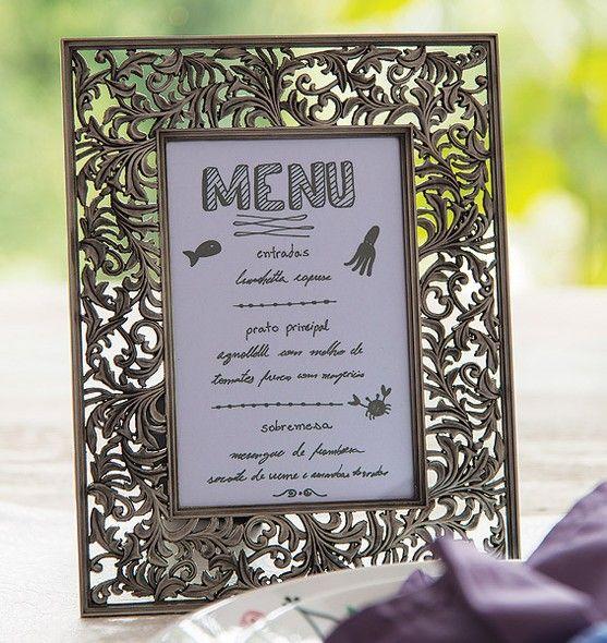 No porta-retrato, a carta fica bem visível para todos os convidados