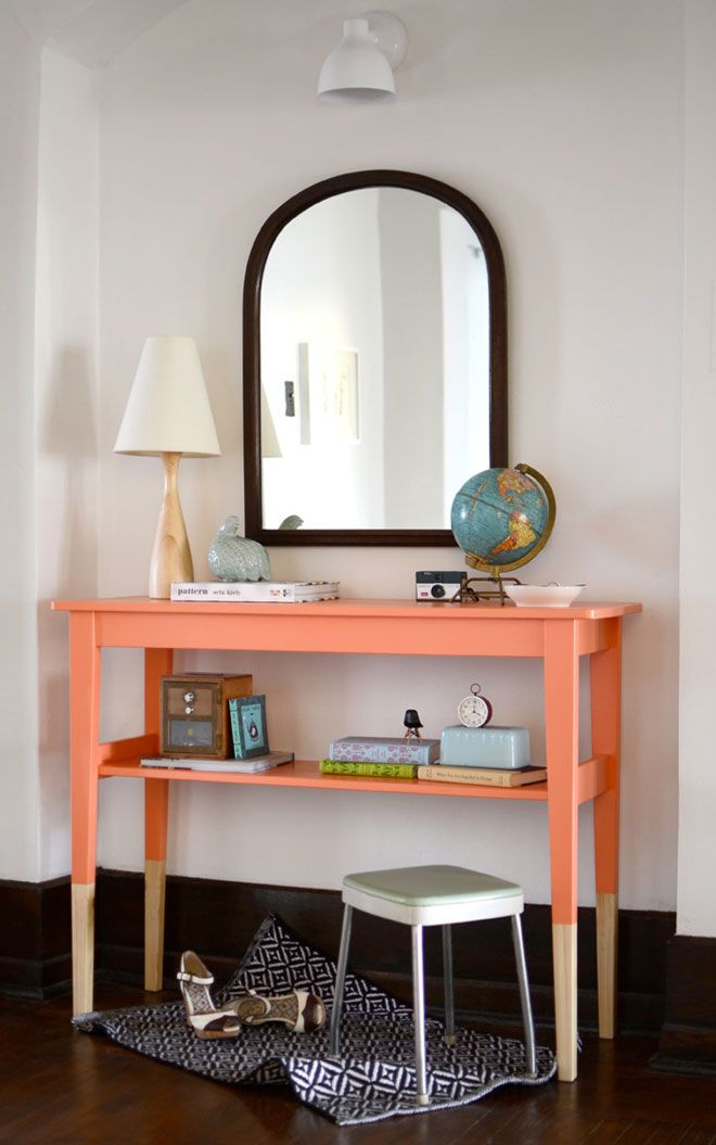 Coral-dipped entry table