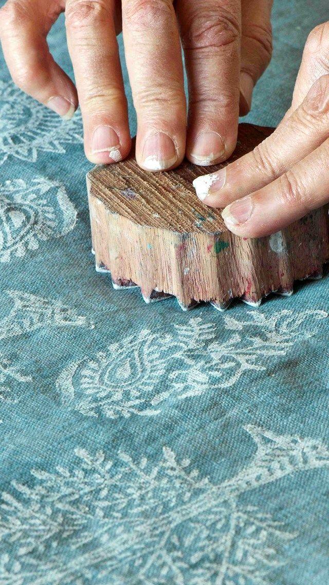Stof verven met Annie Sloan Chalk Paint https://www.shabbytreats.com/stof-verven-annie-sloan-chalk-paint