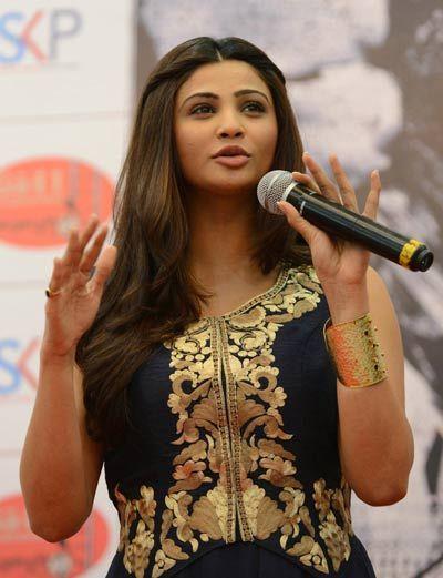 Daisy Shah at Kite Festival