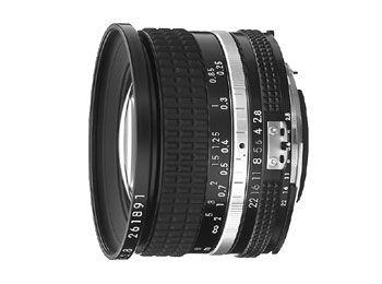 20mm f/2.8 Nikkor (только для полнокадровой)