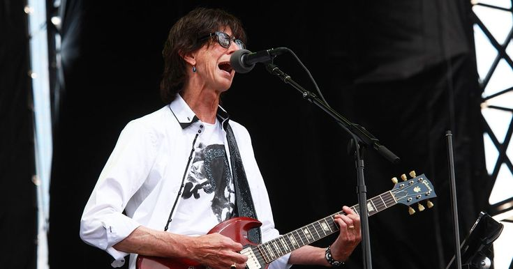 Flashback: The Cars Wrap Up 2011 Reunion Tour at Lollapalooza #headphones #music #headphones
