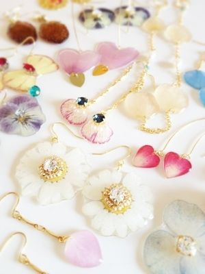 【アクセサリー】押し花のピアスが可愛い!画像・作り方まとめ - NAVER まとめ