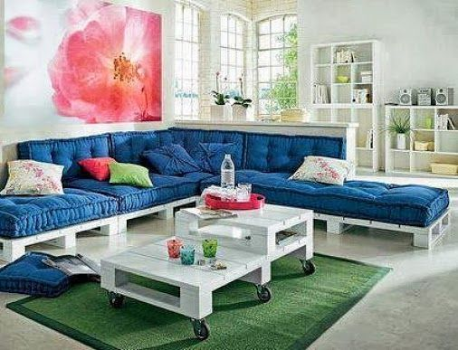 Decoracion con Palets - with weather resistant cushions for outside!