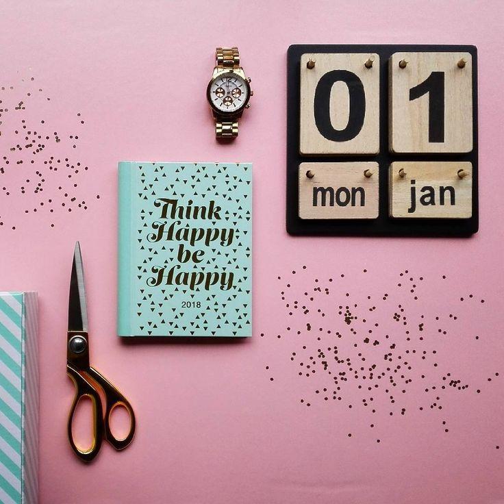 2 0 1 8 !  Ik hoop dat 2018 nét zo top wordt als 2017!  Het was voor mij een bijzonder jaar, vol mijlpalen & dromen die werkelijkheid werden!  Dat wens ik voor iedereen volgend jaar!  Bedankt 2017!  #2018 #keepupthegoodwork #followyourdreams #workhardplayhard #happynewyear #gelukkignieuwjaar #thnx2017 #thinkhappybehappy #nevergiveup #keepgoing #makeithappen #goforit