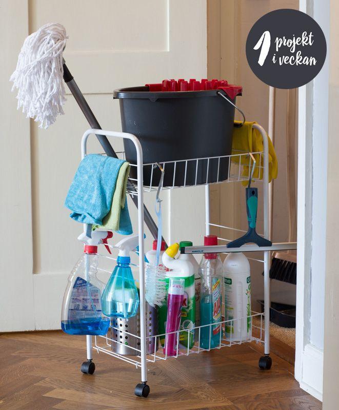 """Organisera städskåpet- ettt projekt från boken """"Organisera och förvara - ett projekt i veckan"""", skriven av Paulina Draganja. Foto: Ulf Huett"""