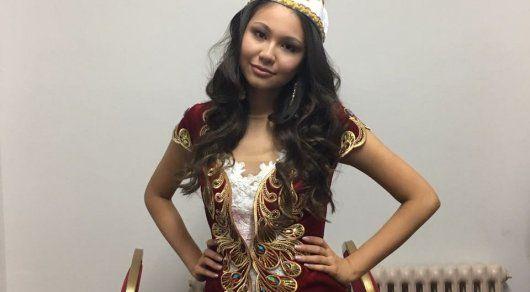 Londra'da 22 Nisan kazahstanka, Surrey Kamilya Isingarina 1. yıl Üniversitesi öğrenci o Yardımcısı Miss şampiyonluğunu kazandı