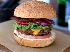 Гамбургер с беконом - Full Spoon - Кулинарный блог c простыми пошаговыми фото рецептами