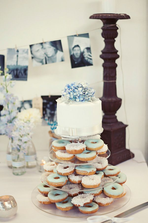 Blue icing on Wedding donuts | http://fabmood.com/wedding-donuts/