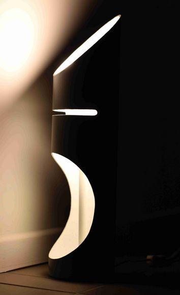 Cylindra, éclairage fait main, lampe à poser en tube PVC avec ampoule led