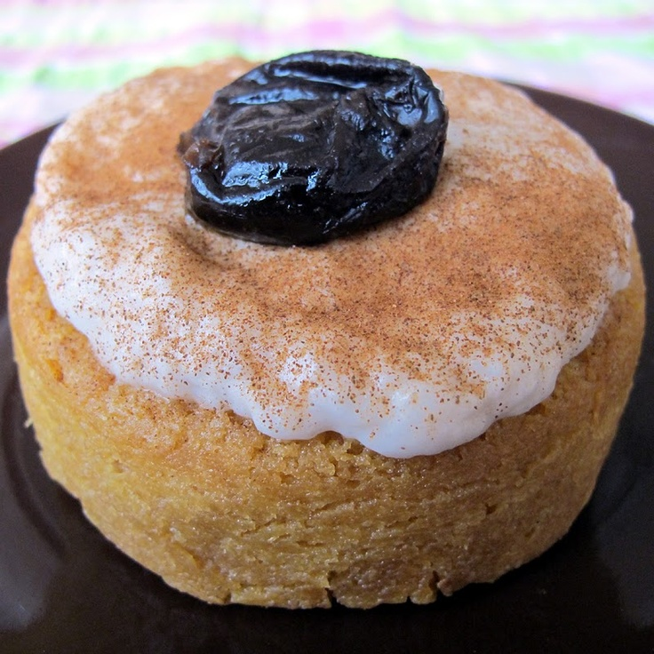 Pio Quinto is a Nicaraguan dessert consisting of cake drenched in rum, topped with a custard, and dusted with cinnamon. Some recipes also include raisins.