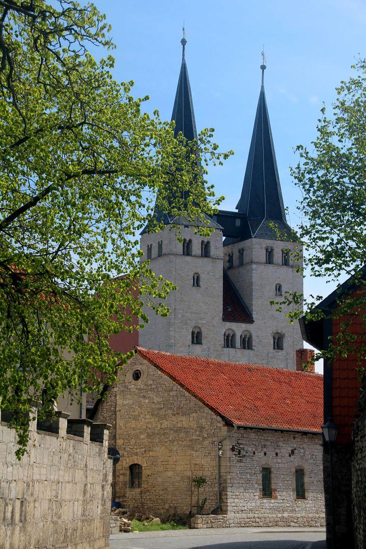 Romanische Kirchen und Bauten sind an der Straße der Romanik zu finden. Ein Besuch lohnt sich zu jeder Jahreszeit. #Deutschland #Kirchen
