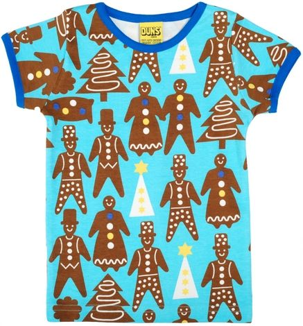 Ever since my two boys have seen me unpack this gorgeous organic gingerbread cookie tee by Duns Sweden, there is not one day where they don't ask, if Santa can bring them one as well.