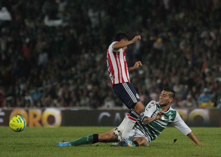 Santos vs Chivas: Horario y en qué canal pasan la semifinal del Clausura 2015 - http://webadictos.com/2015/05/20/santos-vs-chivas-hora-canal-semifinal-c2015/?utm_source=PN&utm_medium=Pinterest&utm_campaign=PN%2Bposts
