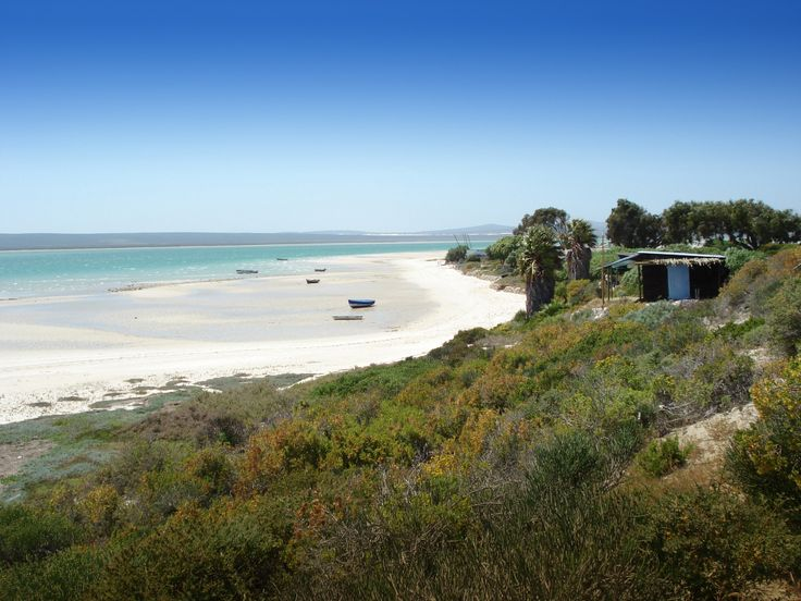 If you have never visited the West Coast of the Cape before, you are really in for a surprise the colours, the beauty of the reserve – the fynbos flowers in Spring, the quietness just an hour out of Cape Town – It is a local secret haven away from the madness of busy lifestyles.