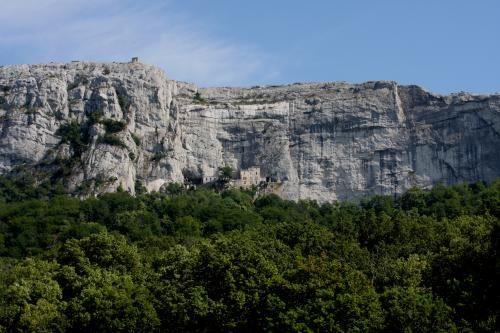 Massif de la Sainte-Baume : Un lieu incontournable à visiter durant vos vacances en Provence Verte