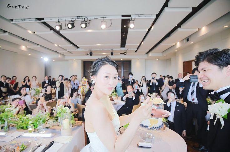 直前  貴重な貴重な カメラ目線を頂きました笑  さぁ新郎さん 豪快に 食べてくださいね   #プレ花嫁 #日本中のプレ花嫁さんと繋がりたい #結婚式準備 #ドレス試着 #前撮り#ウェディングフォト#ロケーションフォト#ウェディングドレス #卒花嫁#卒花#みんなのウェディング #エンゲージリング#プロポーズ#ウェディングソムリエアンバサダー#東海プレ花嫁#東京カメラ部