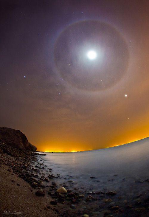 Moon Halo with Venus & Jupiter - Strait of Hormuz, Persian Gulf