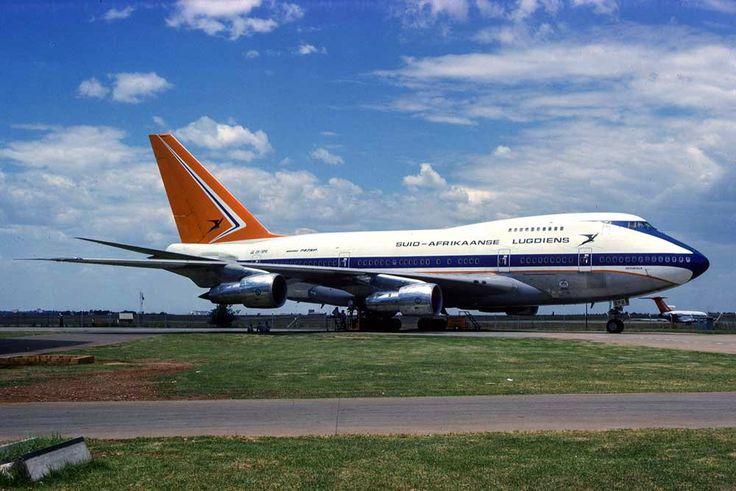 Suid Afrikaanse Lugdiens Boeing 747 SP met n' 727 in die agtergrond