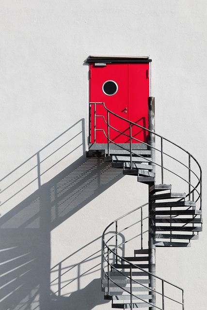 Red door and spiral stair (c) Andreas Levers  http://www.flickr.com/photos/96dpi/7079991077/