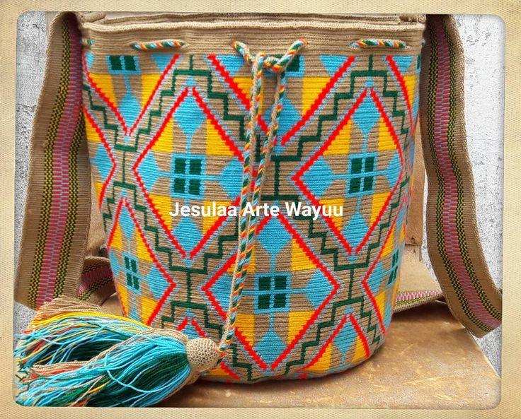 39 отметок «Нравится», 3 комментариев — Jesulaa Arte Wayuu (@jesulaa_artewayuu) в Instagram: «Hermosa mochila wayuu en diseño geometrico contemporaneo, en tonos tierras contrastado con colores…»