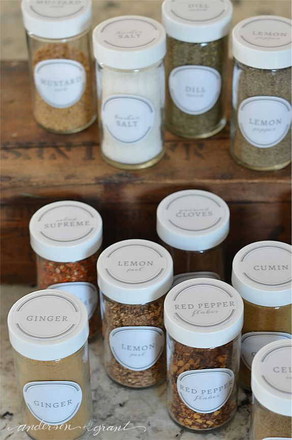 Free Printable Spice Jar Labels | Very stylish!!  www.andersonandgrant.com