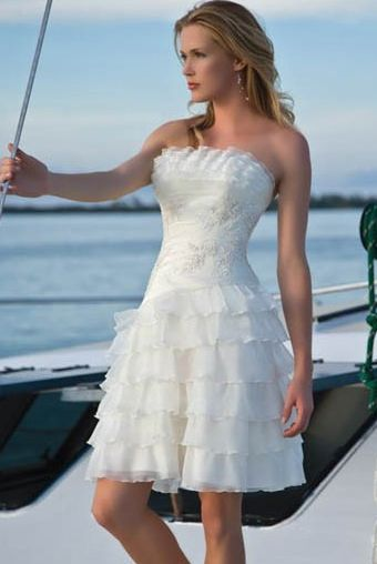 39 best Wedding Dresses images on Pinterest | Wedding dressses ...