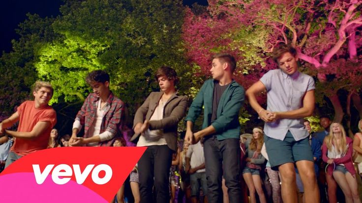 One Direction - Live While We're Young #throwbackthursday...............repin if u remember