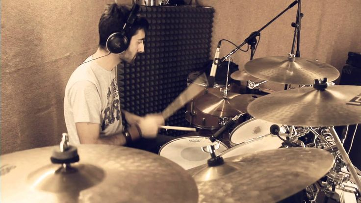"""flat on the floor"" - Nickelback -  Drum Cover by Massimo Moscatelli -  Facebook: https://www.facebook.com/massimomoscatellidrums Twitter: https://twitter.com/Maximoace Webpage/blog: http://massimomoscatelli.altervista.org Instagram: https://www.instagram.com/maxkundrummer Tumblr: http://massimomoscatellidrums.tumblr.com"