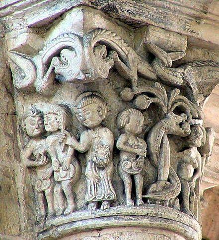 Capitel con representaciones de Adán y Eva. Saint Benoit sur Loire. Escultura románica de la Auvernia.
