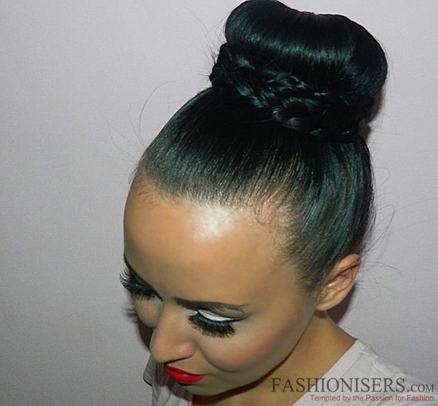 Braided Sock Bun Tutorial  #hairstyles #updos #buns