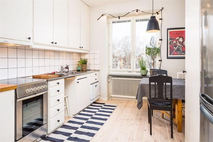 Original kitchen from 1947. #Granit #lightbulb #Caravaggio #window