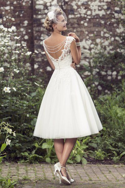 2016 V Neck Lace Bodice Tea Length A-line Lace Bodice Short Tulle Wedding Dress with Sequinned Back