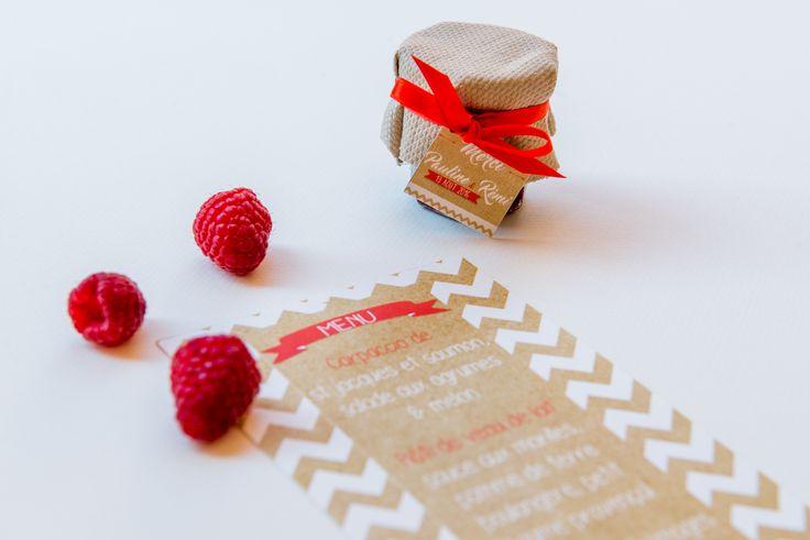 Le Grenier de Pauline - cadeau d'invité - confiture - étiquette MERCI - kraft - rouge - chevrons - mariage