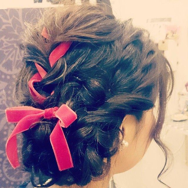 「女の子とリボンは相性抜群♡リボンとヘアが絡み合うラブリーなアレンジを。」に含まれるinstagramの画像 MERY [メリー]