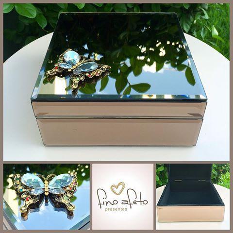 💕 Porta joias de espelho bronze com borboleta de metal e pedrarias 💕 #finoafetopresentes #presente #porta-joias #portajoiasluxo #portajoiasdeluxo #primaveradoleste #paranatinga
