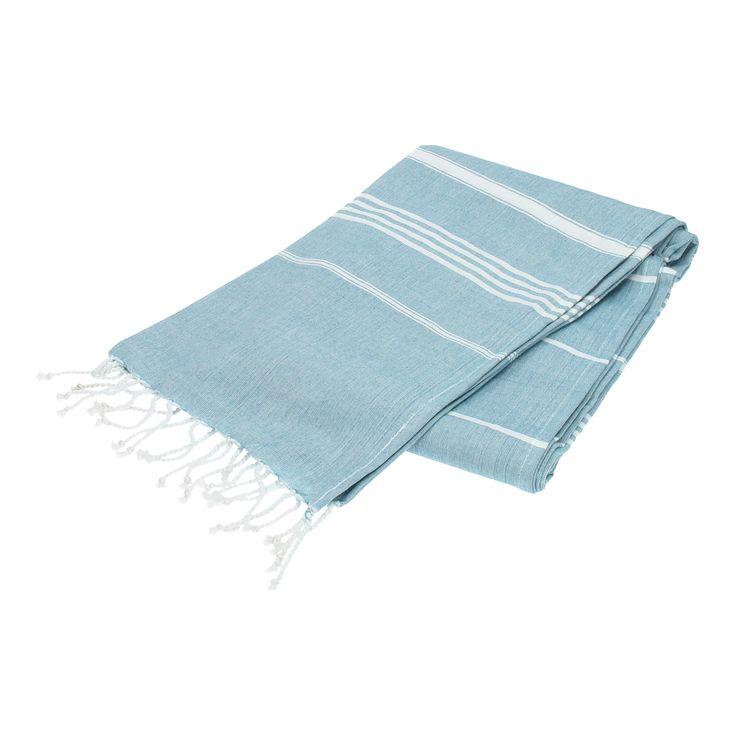 Met deze hamamdoek kunt u alle kanten op! De doek is ideaal als handdoek voor het strand te gebruiken. Karakteristiek voor de hamamdoek is dat hij veel vocht opneemt, licht is, klein kan worden opgevouwen en groot genoeg is om heerlijk op te kunnen liggen. De doek is ook erg handig te gebruiken als omslagdoek, picknickkleed of tafelkleed. Het materiaal van de hamamdoek is 100% katoen en het heeft een nautische look.