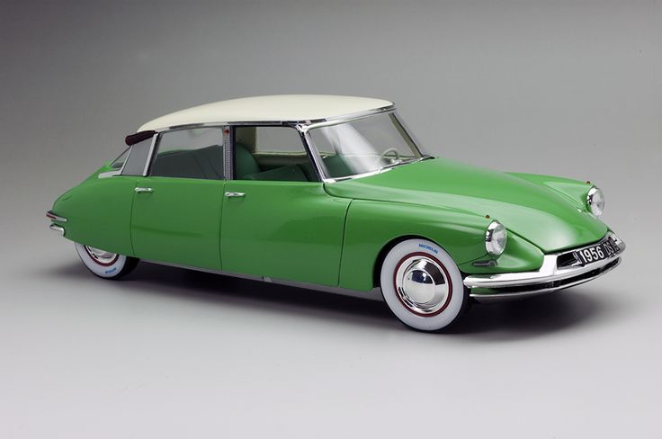 ebbro citroen ds 1955 salon de paris 1 24 model car kits scale models pinterest. Black Bedroom Furniture Sets. Home Design Ideas