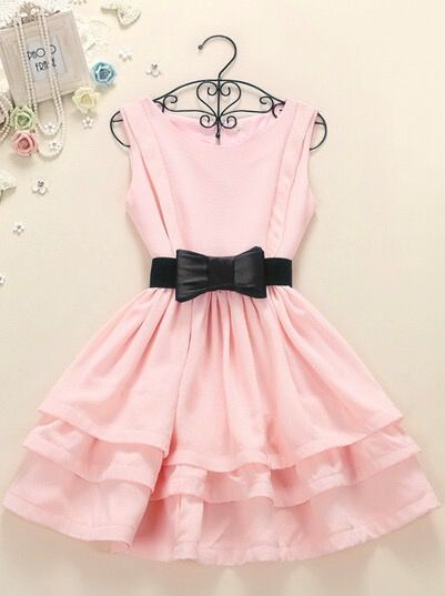I would love to have this dress... good thing my birthday is coming up<3<3<3