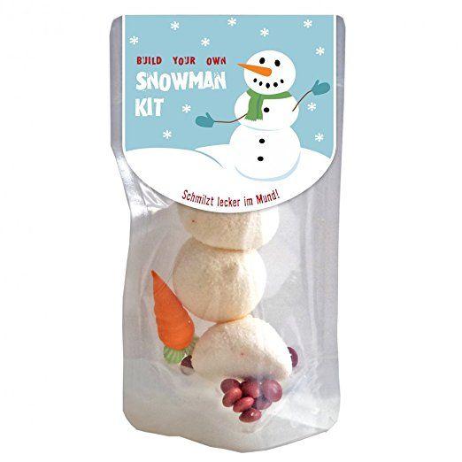 Snowman Kit: Schneemann zum Anbeißen.  Die Marshmallowstücke haben übrigens einen Durchmesser von ca. 5 cm und sind jeweils ca. 2 cm groß.