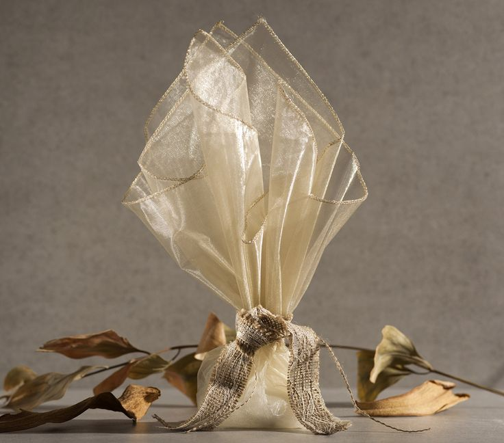 organza gold and ribbon canvas dentelle applique                                           μπομπονιέρα γάμου