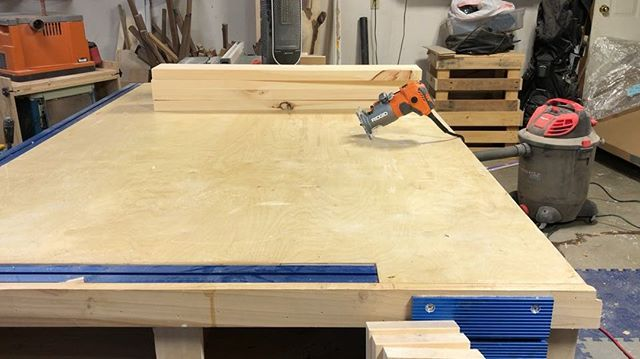 """Trying out the new @ridgidpowertools corded router. Went with the corded as I didn't want a new battery eco system in the shop. So far it's been a great tool and have these boards a nice 1/8"""" round over."""