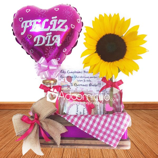 Picnic Box, Mom Day, Candy Store, Mom Birthday, Gift Baskets, Diy And Crafts, Valentines, Creative, Party