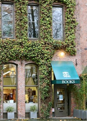 exterior Wessel & Lieberman Booksellers, Seattle