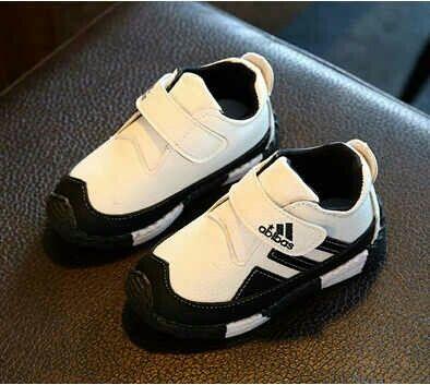 SH061 Sepatu Abibas Putih Size 27 28 29 29 Rp 85.000 (ready)