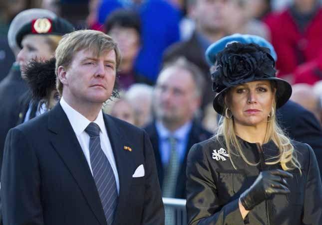 Maxima d'Olanda, prime lacrime da regina. Il mistero Charlene di Monaco. E Mette-Marit di Norvegia va al cinema | People