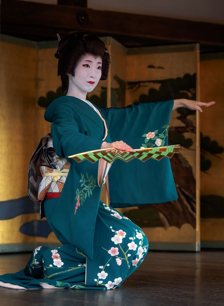 芸妓 geiko 梅葉 umeha 上七軒 節分祭 KYOTO JAPAN