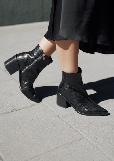 & Other Stories | Inspiration POINTY BLOCK HEEL BOOTS