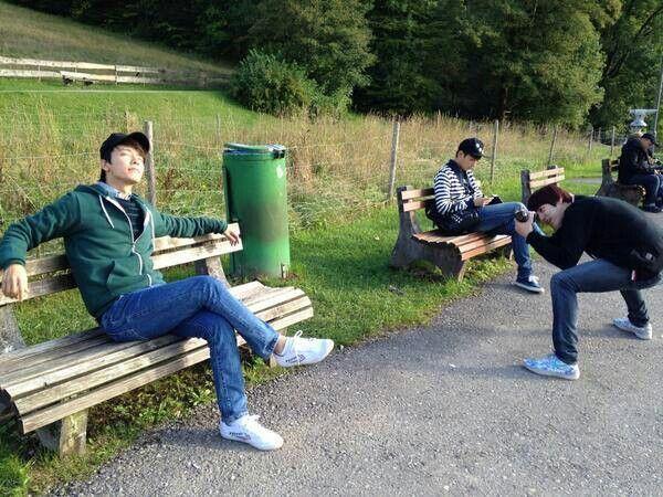 Kyuhyun like a photograper kkk xD